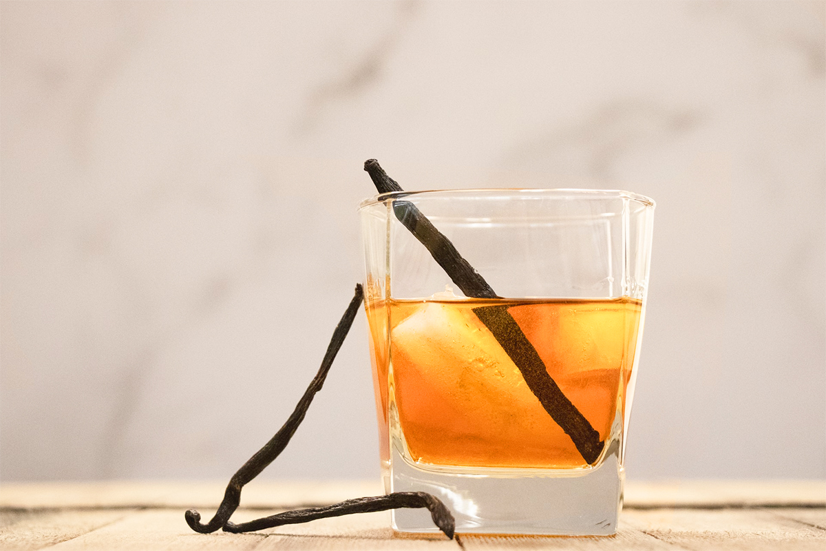 How to make cinnamon iced tea