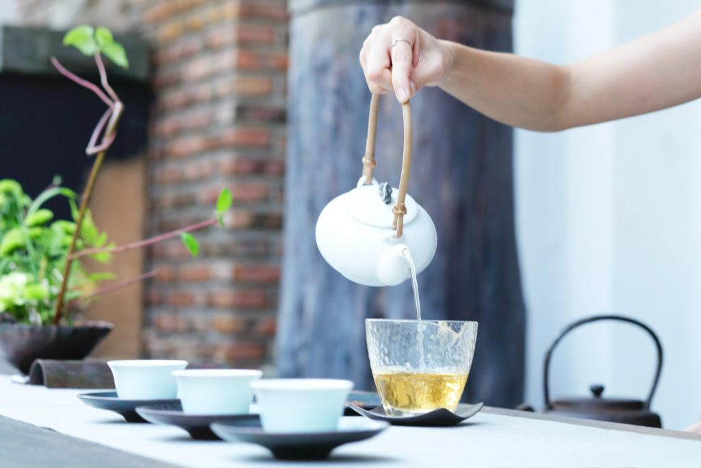 HOW TO PRACTICE TEA MEDITATION