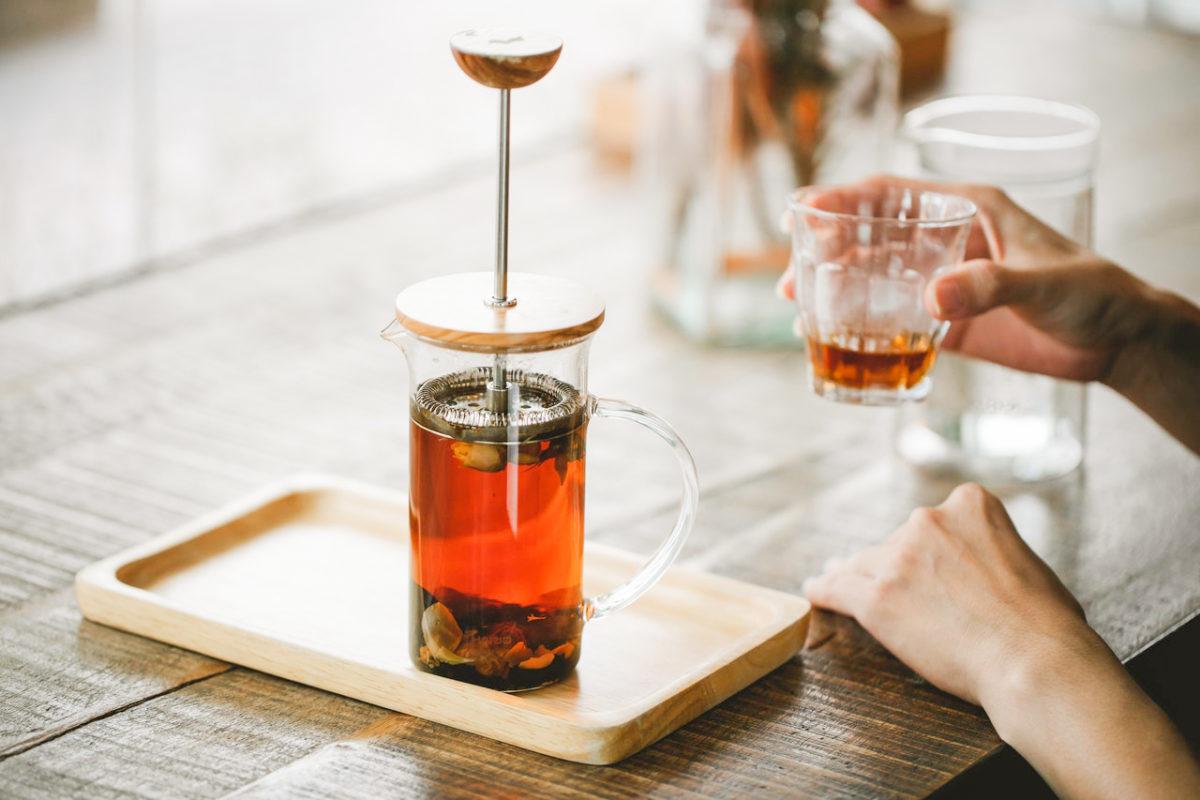 Does tea contain caffeine?