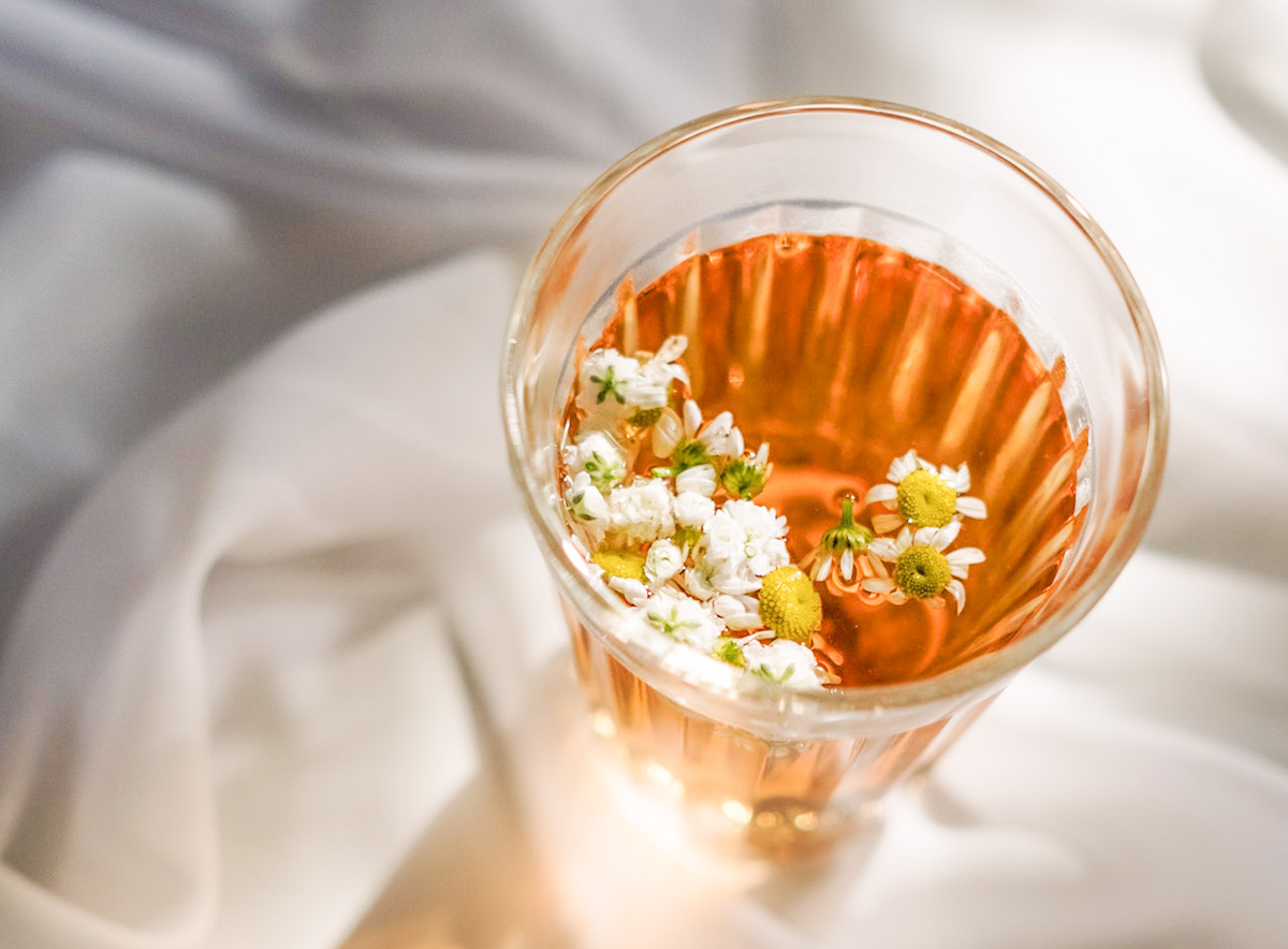 How to make chamomile iced tea