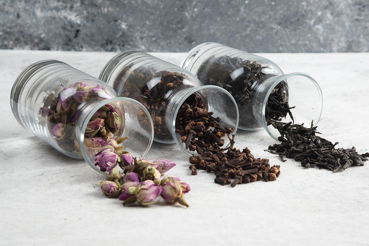 STORING TEA: HOW TO STORE TEA FOR THE LONG TERM WITHOUT LOSING ITS FLAVOUR