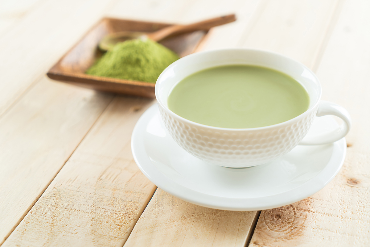 EASY MATCHA LATTE RECIPE TO TRY AT HOME