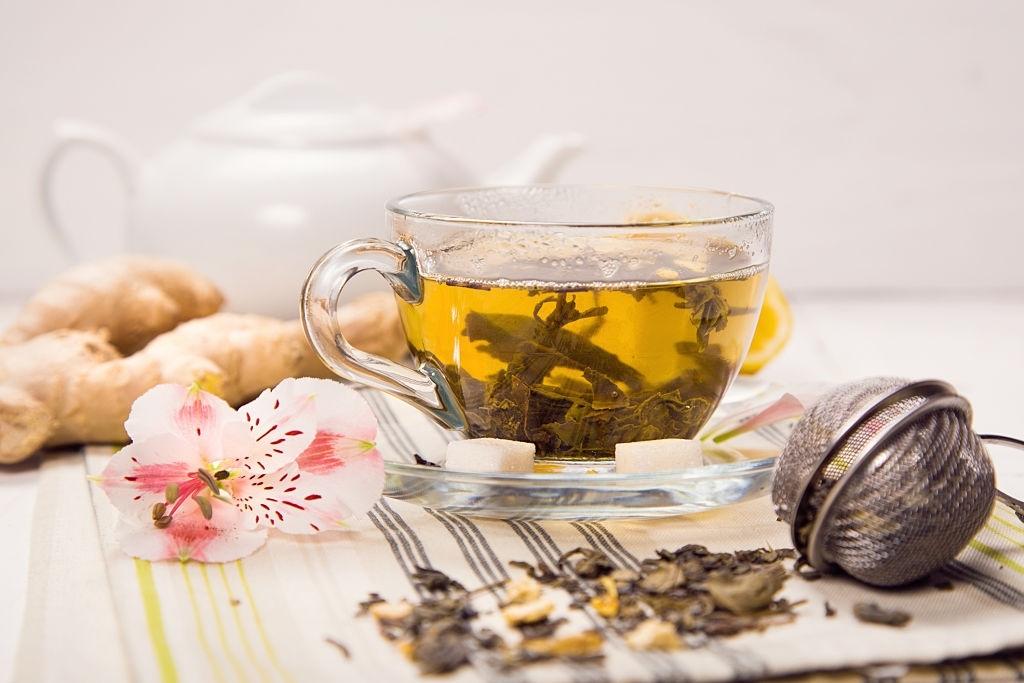 6 Incredible Health Benefits Of White Tea