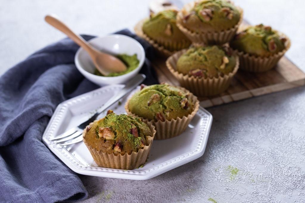How to make matcha and white chocolate muffins